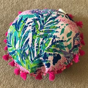 Lilly Pulitzer Round Pillow Fan Club GWP Pink